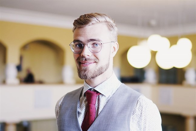 Nicolas Sjöberg ställer upp för omval och han vill fortsätta som Svensk Ungdoms vice ordförande.