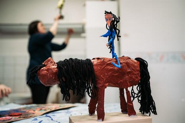Hästen som Sarah Ehrs gjorde plockades fram under kursen.