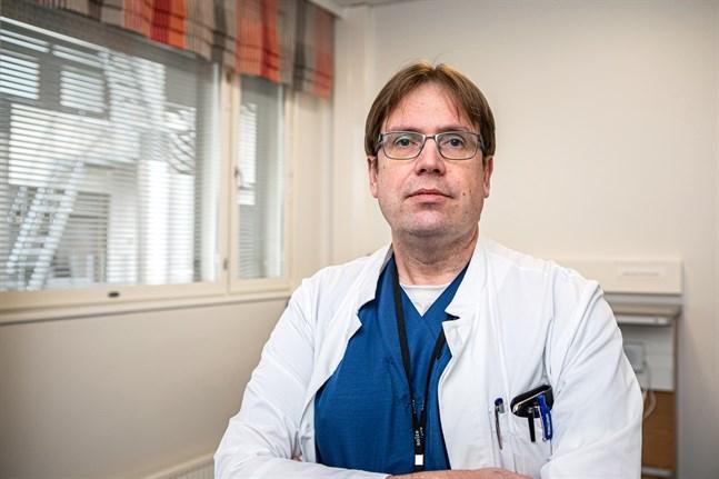 Infektionsöverläkaren Marko Rahkonen på Soite hoppas att folk inte glömmer bort influensavaccinet.