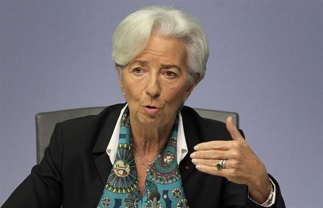 ECB:s Christine Lagarde valde överraskande att inte röra räntorna.
