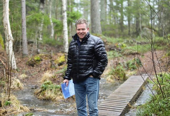 Stefan Träskelin hoppas att kommunen är positiv till planeringen av tomterna.
