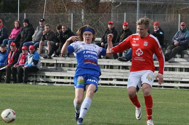 Theo Granfors (till höger) återvänder till Sporting efter en säsong i Vasa.