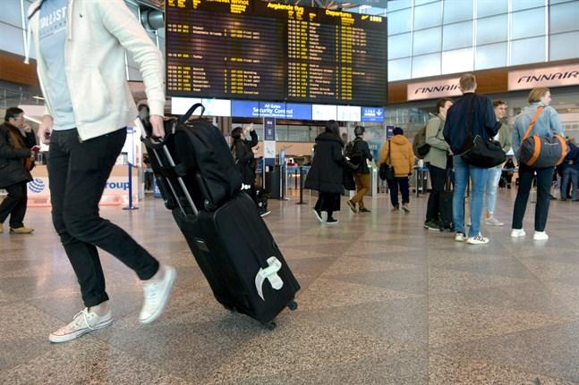 Flygindustrin och resebranschen hör till de branscher som aviserat stora nedskärningar.