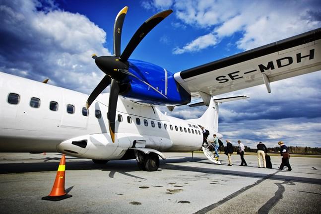 Flera landskap, däribland Österbotten, ogillar de åtgärder som förelås i en färsk utredning av flygtrafiken.