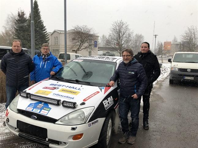 Banmästaren Jarmo Pöntiskoski, arrangörskommiténs ordförande Anssi Räikkönen, tävlingsledaren Jyrki Lampela och informatören Tanu Jänkä berättade om den kommande tävlingen i Karleby.