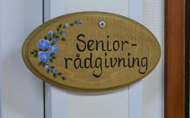 Hur länge seniorrådgivarnas verksamhet är begränsad återstår att se.