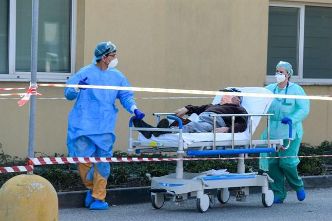 Bilden är från Italien som drabbats hårt av coronaviruset.