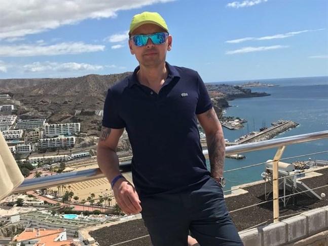 Patrick Linmans semester på Gran Canaria i Spanien utvecklades till något av en mardröm. Han hoppas vara hemma i Finland på torsdag.