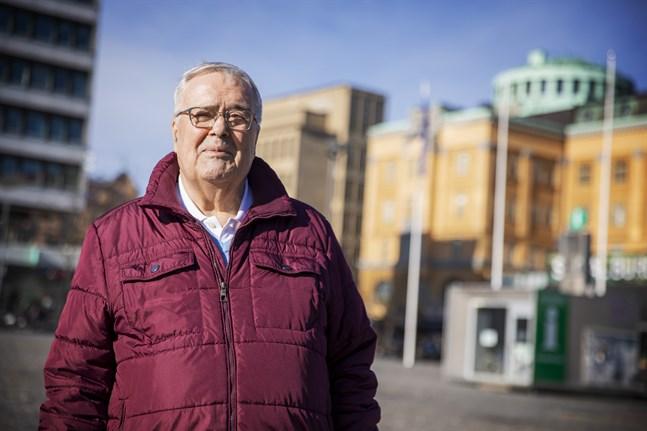 Ole Norrback stiger av som ordförande för Svenska pensionärsförbundet. Han har lett det sedan 2009.