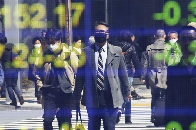 Aktiemarknaden i Asien reagerade på Europeiska centralbankens besked om ett nytt stödpaket.