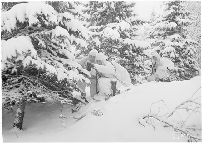 """Världskriget hade inte riktigt börjat under tiden 30.11.1939 till 13.3.1940. Det betydde beundran i väst för lilla Finlands kamp mot """"Jättens andedräkt"""", skriver Ragne Kommonen i sitt debattinlägg."""