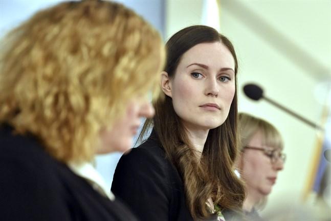 Krista Kiuru (sdp), Sanna Marin och Aino-Kaisa Pekonen (vf) deltog i statsrådets infotillfälle.
