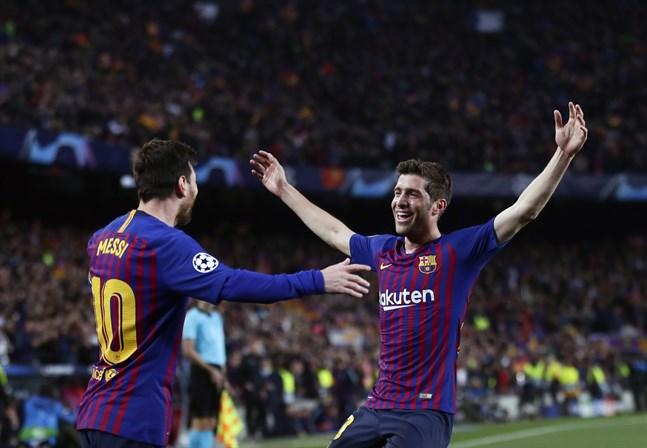 Barcelona ställer upp med Sergi Roberto (till höger) i La Ligas Fifa-turnering. Arkivbild.