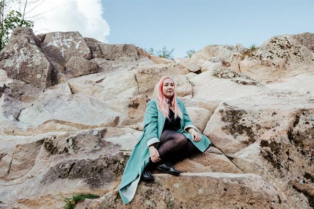 Rosanna Fellman känner sig både tacksam och hedrad över att ha beviljats ett ettårigt arbetsstipendium av Svenska kulturfonden.