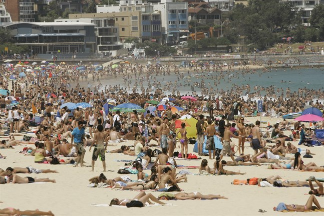 Bondi Beach i Australien lockar ofta många besökare. Arkivbild.