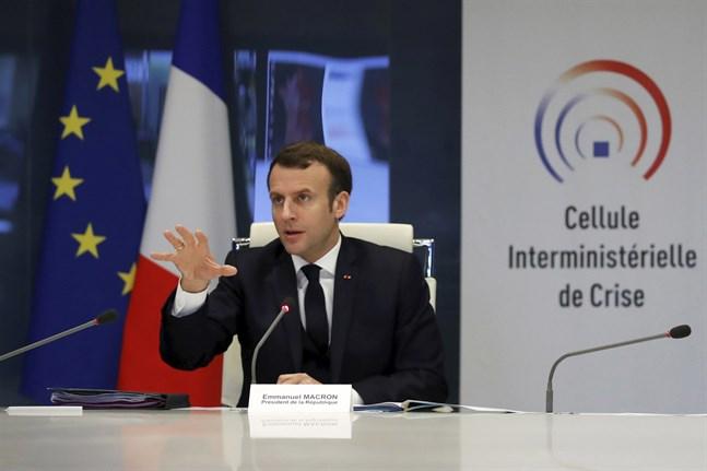"""Nationalförsamlingen förväntas med hänvisning till """"hälsonödläge"""" godkänna utökade befogenheter för president Emmanuel Macron."""