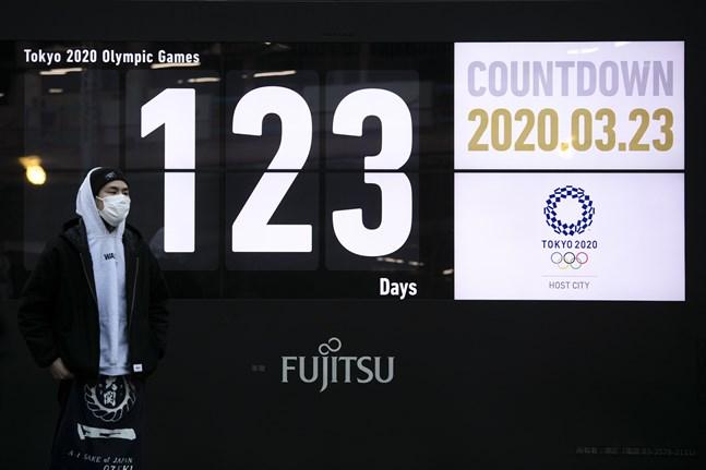 Med 123 dagar kvar till OS-starten talar det mesta för att Tokyo-spelen skjuts upp.