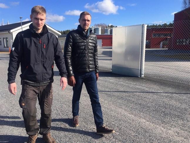 Huvudförtroendeman Eric Häger och vd Marko Nylund deltog i de samabartsförhandlingar som inleddes på Prevex i måndags och som berör hela personalen på knappt 180 anställda.