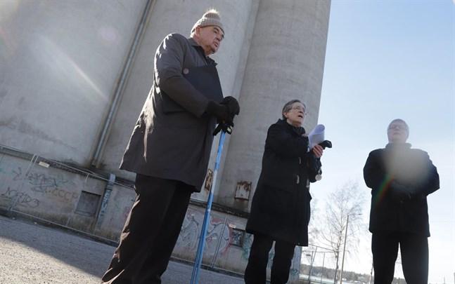 Anders Boucht, Birgitta Lång och Aimo Nyberg motsätter sig ett höghus på silotomten.
