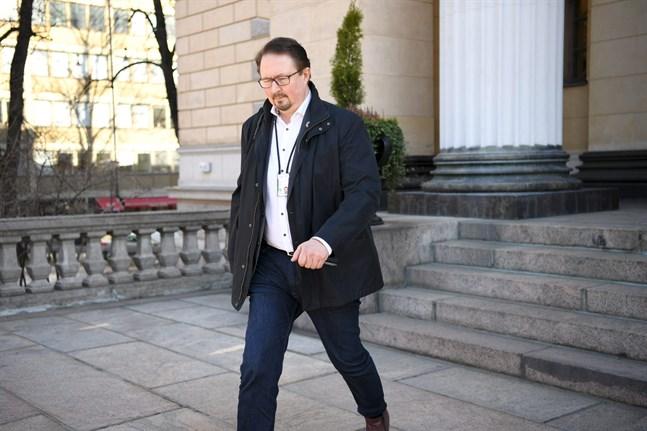 THL:s direktör Mika Salminen uppdaterade på tisdagen riksdagspartierna om coronaläget i landet.