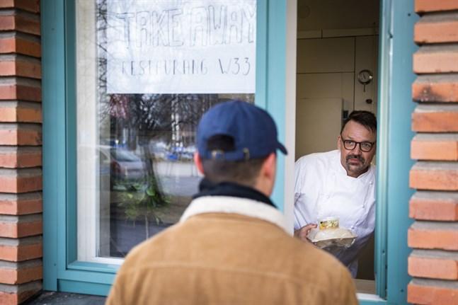 – Det är tillräckligt jobbigt för studerande, säger W33:s ägare Mikael Orlo som vill kunna erbjuda studerande en förmånlig lunch.