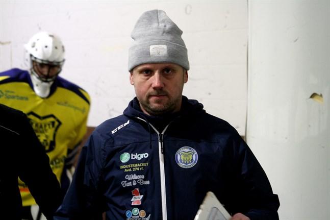 Anders Snickars har basat över Krafts division 2-lag i två säsonger. Nu tackar han för sig.