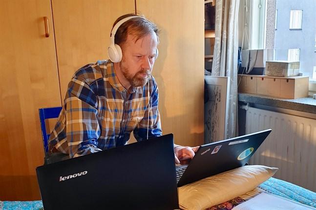 Petter Wallenius har inte jobbat så här mycket sedan han blev lärare på 90-talet.