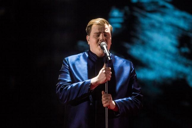 """Aksel Kankaanranta med låten """"Looking Back"""" skulle ha representerat Finland under Eurovision Song Contest i Rotterdam i maj, men tävlingen ställdes in på grund av coronläget."""