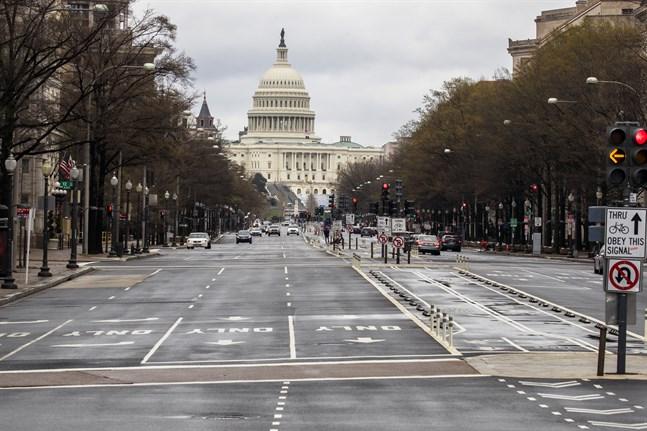 USA:s senat har godkänt ett enormt stimulanspaket.