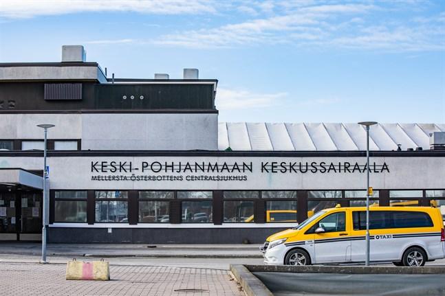 En person vårdas nu på Mellersta Österbottens centralsjukhus på grund av covid-19.