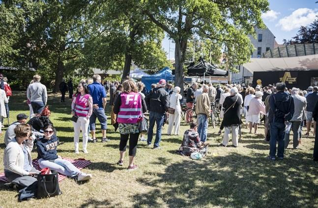 En folksamling under politikerveckan i Almedalen häromåret. Arkivbild.