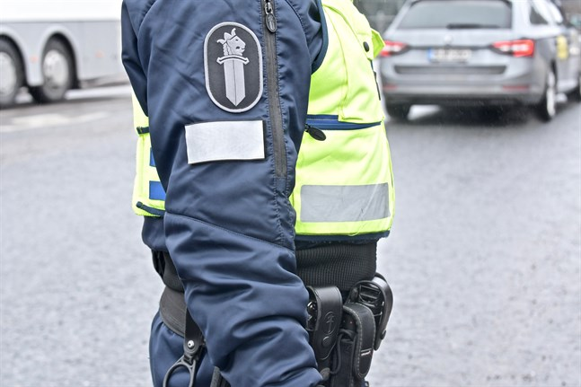 Polisen tar i beaktande att det kan ta länge att läkarintyg när de behandlar ärenden som rör rätten att köra bil.