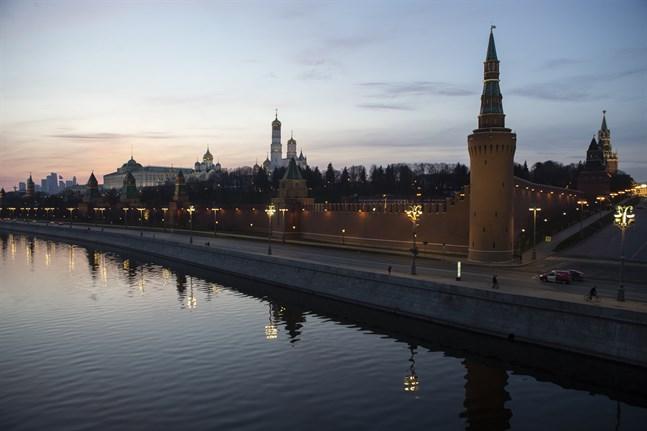 Kreml i Moskva på lördagen. Huvudstadens invånare ska isoleras på grund av virusutbrottet.