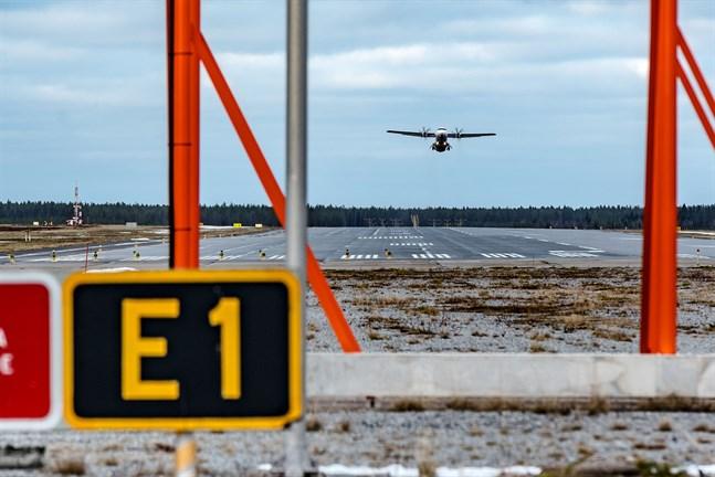Länge till lyft. Pandemin förändrar flygbranschen, sannolikt för en mycket lång tid och öppnar diskussionen för inrikesflygets vara eller inte vara.