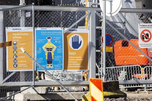 Tanken är att renoveringen av Olympiastadion ska vara klar i augusti.