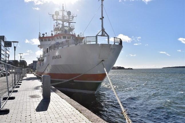 Havsforskningsfartyget Aranda har genomgått en gedigen modernisering som kostade 15 miljoner euro. På grund av statliga nedskärningar måste fartyget allt oftare hyras ut till utländska samarbetspartner.