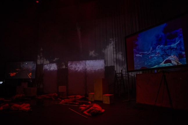 Vid vissa knytpunkter sammanföll föreställningen i Jakobstad och Åbo.