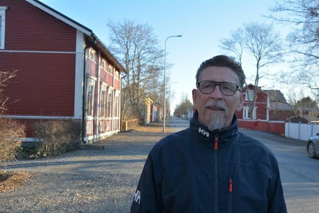 Stadsstyrelsen gjorde små förändringar i sparprogrammet. Det lever och förändras också i framtiden, säger styrelseordförande Carl-Gustav Mangs.