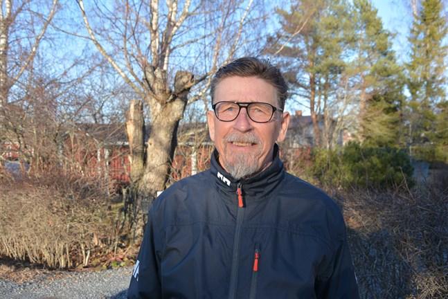 Han har bestämt sig. Carl-Gustav Mangs vill fortsätta i Kasköpolitiken.