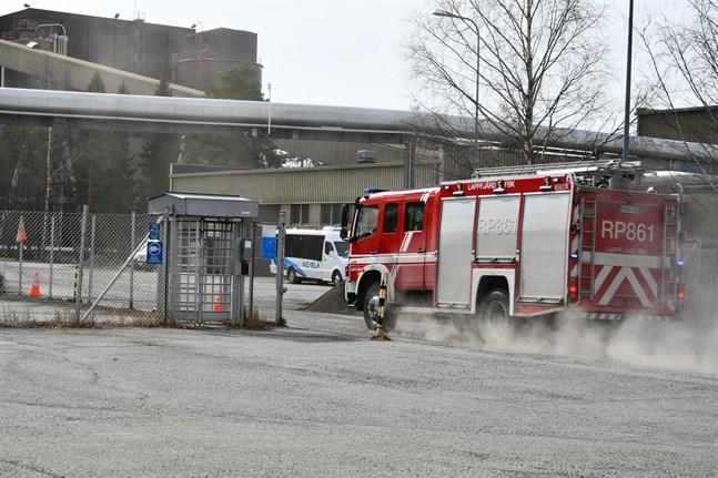 Sju enheter ryckte ut till kraftverksområdet på Björnön efter larm om en brand.