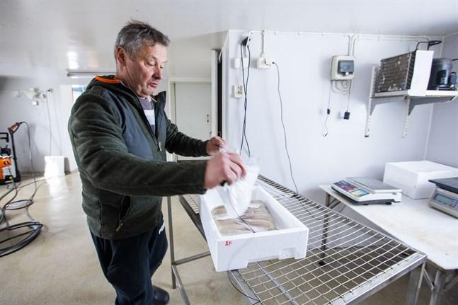 Ulf Granqvist har redan den utrustning han behöver för att kunna sälja fisk i den form konsumenterna vill ha.