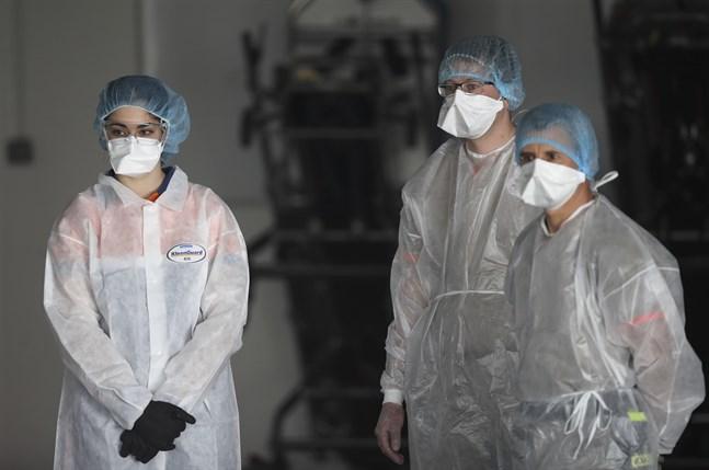Sjukvårdspersonal i Rennes i västra Frankrike. Arkivbild.