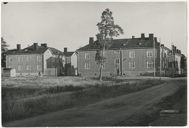 Kapernaum byggdes 1923 och stod kvar ända till 1980. I samma veva som Vasa bomullsfabrik lades ner fick också Kapernaum sin rivningsdom.