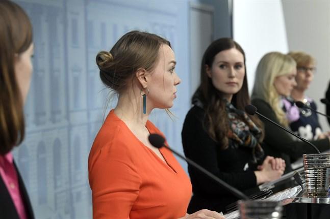 Ministrarna Li Andersson, Katri Kulmuni, Sanna Marin, Maria Ohisalo och Anna-Maja Henriksson.