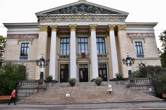 Regeringens förhandlingar om de offentliga finanserna startade på tisdagen i Ständerhuset i Helsingfors.
