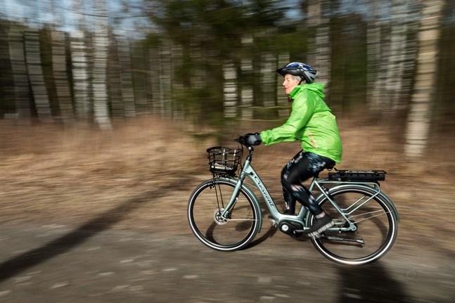 Sommar och cykelturer hör ihop. Varför inte upptäcka det österbottniska landskapet från cykelsadeln?