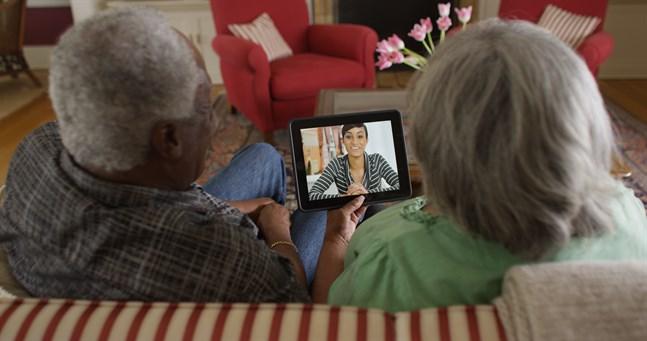 Med skype kan du ringa videosamtal till nära och kära.