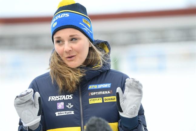 Stina Nilsson har lämnat skidåkningen för en ny karriär som skidskytt. Arkivbild.