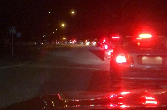 Runt 150 bilar deltog i gaturallyt i Kristinestad under natten mot lördagen.