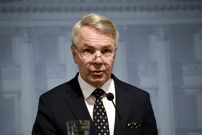 Foreign Minister Pekka Haavisto (Green) says that if Europe gets control of the pandemic, other parts of the world like Africa and Latin America will need the WHO's help and expertise to tackle the virus.